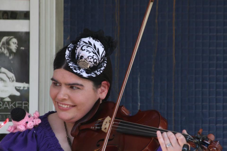 Stowaway Allie the fiddler